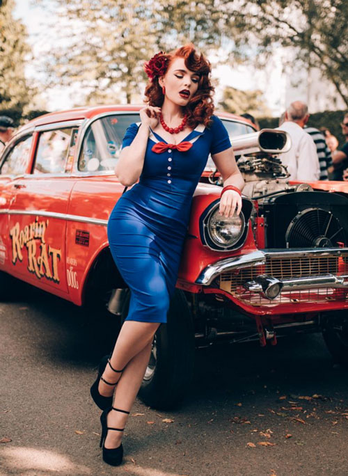 modella pin up miss deadly red